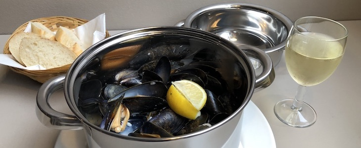 Celebrate Mussel Inn's 20th Anniversary with a FREE 1/2 kilo pot of mussels* only on Mondays during November.
